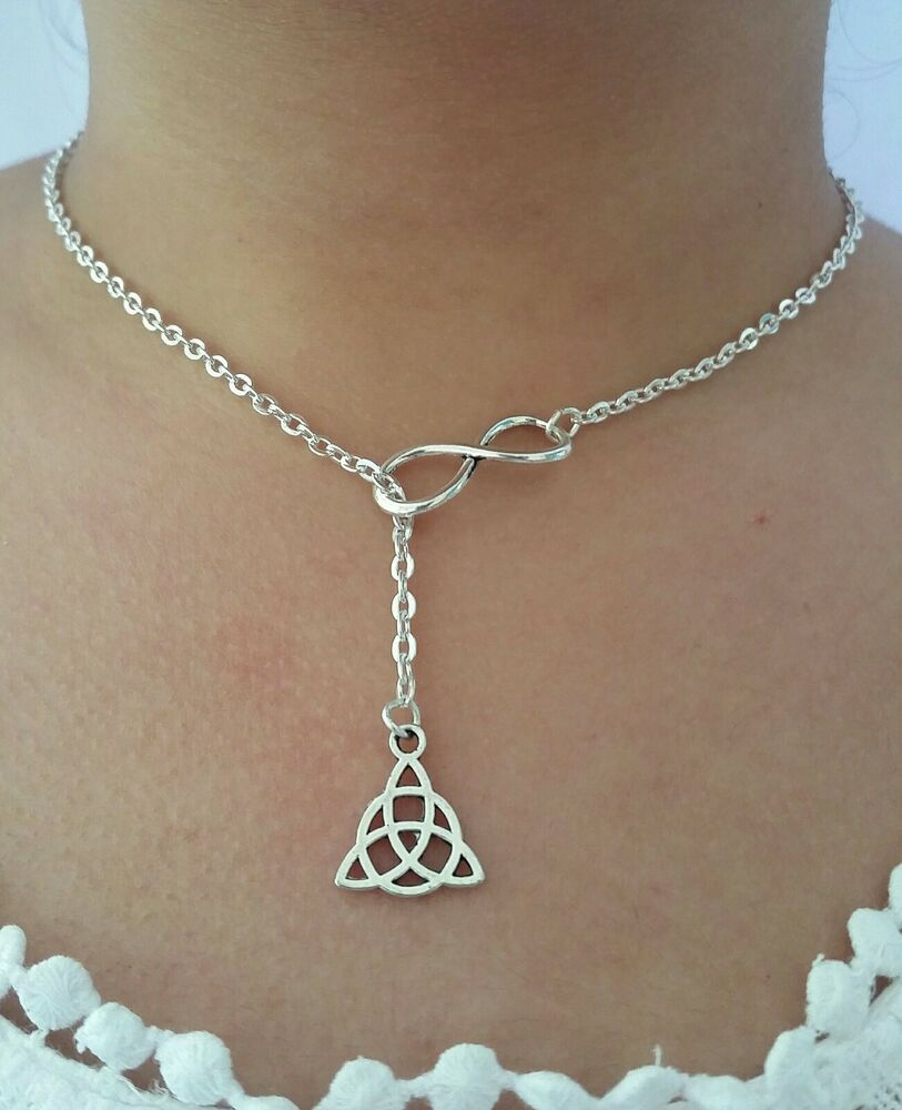 irish celtic triquetra trinity knot pendant chain necklace. Black Bedroom Furniture Sets. Home Design Ideas