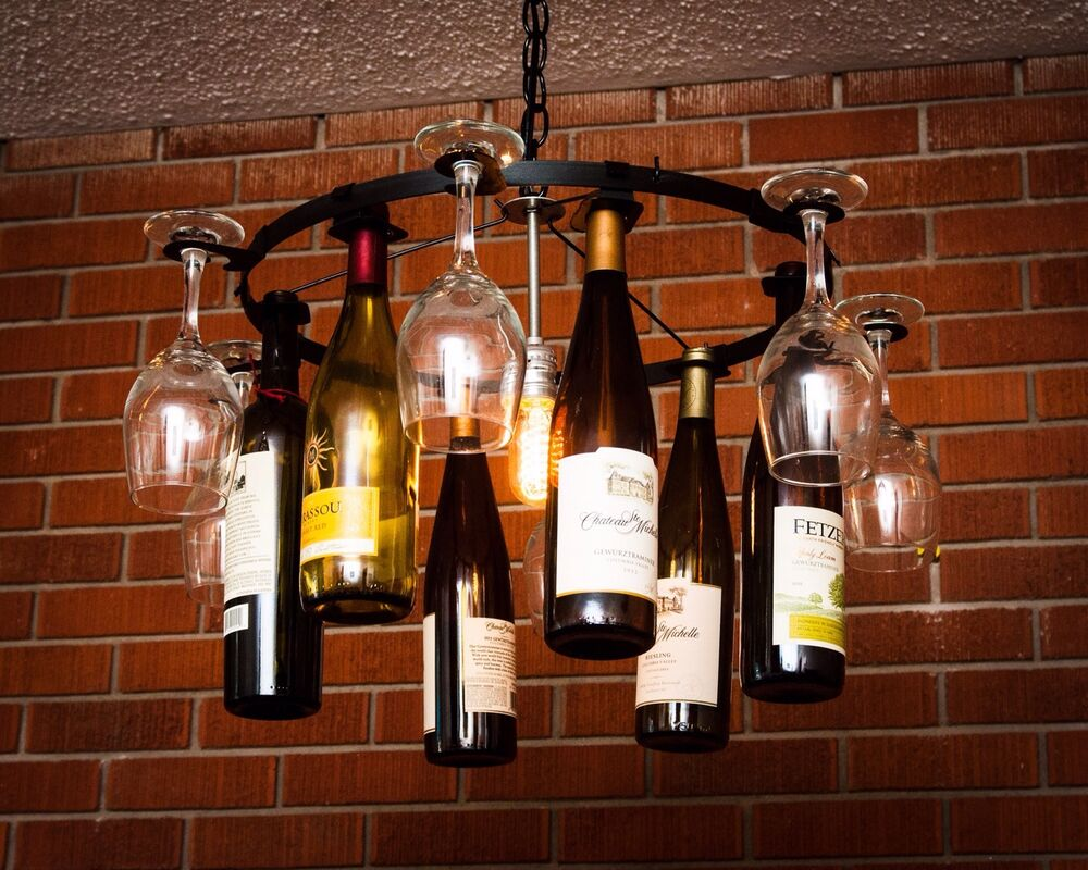 7 Wine Glass 7 Wine Bottle Chandelier Chain Style Light