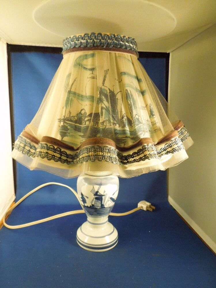 Vintage Delft Blue Dutch Windmill Table Lamp Tulle
