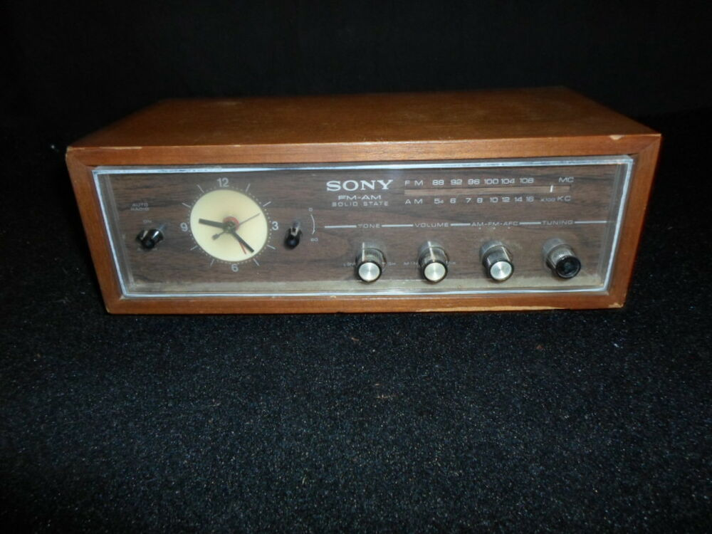 vintage sony 8fc 45w alarm clock radio in good working condition am fm ebay. Black Bedroom Furniture Sets. Home Design Ideas