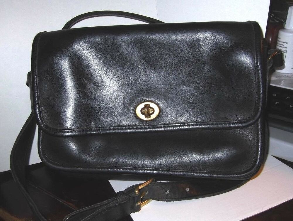 vintage 89 90 coach black leather flap turnlock gusseted