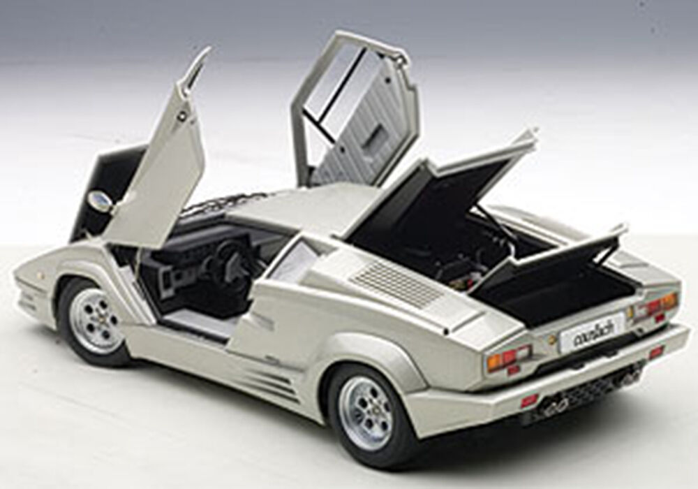 autoart lamborghini countach 25th ann ed silver the last produced countach 1. Black Bedroom Furniture Sets. Home Design Ideas