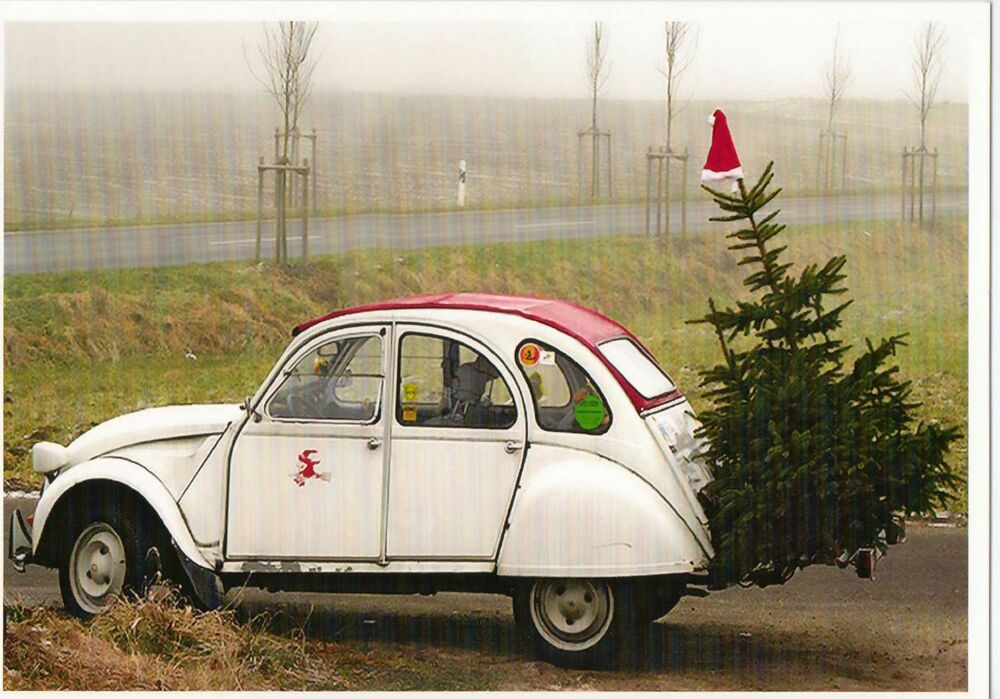 ansichtskarte 2 cv ente mit weihnachtsbaum und. Black Bedroom Furniture Sets. Home Design Ideas