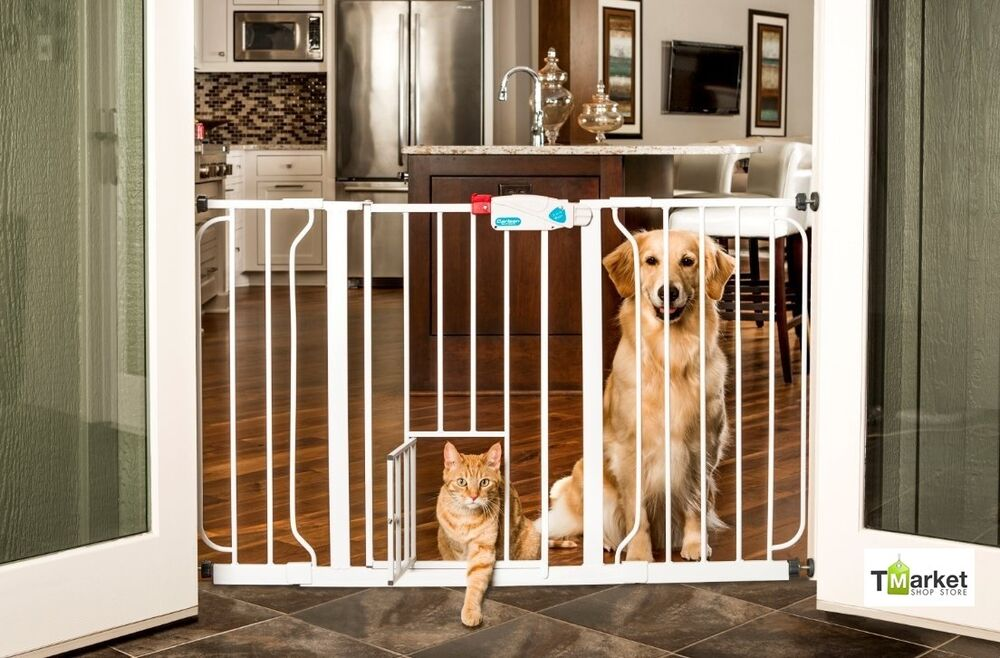 Brand New Doorway Carlson Extra Wide Walk Thru Gate Fence