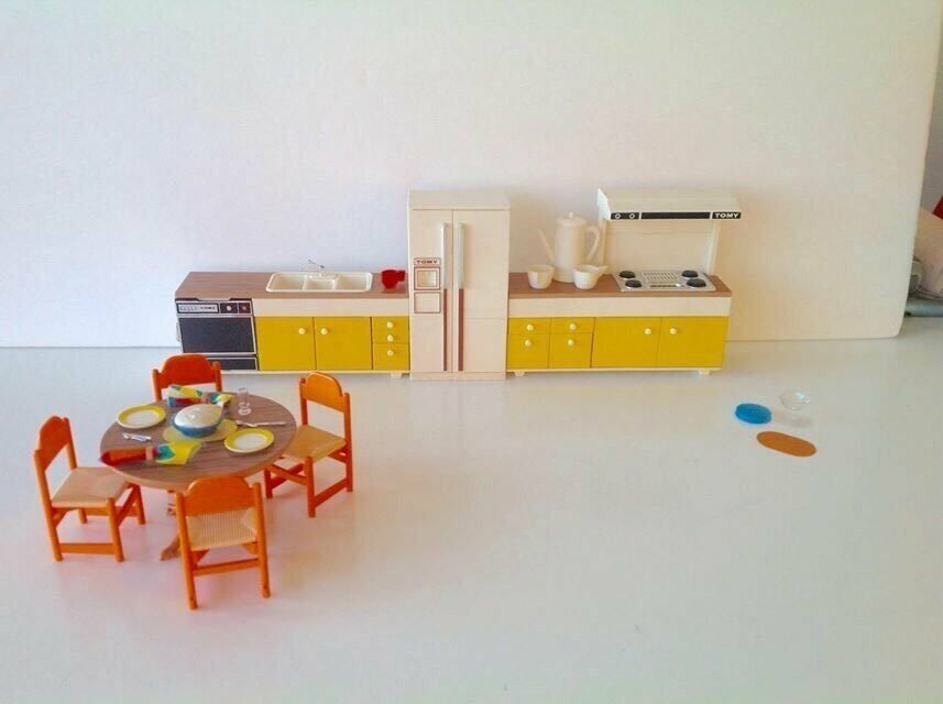 Tomy Vintage Smaller Homes Dollhouse Furniture For Kitchen