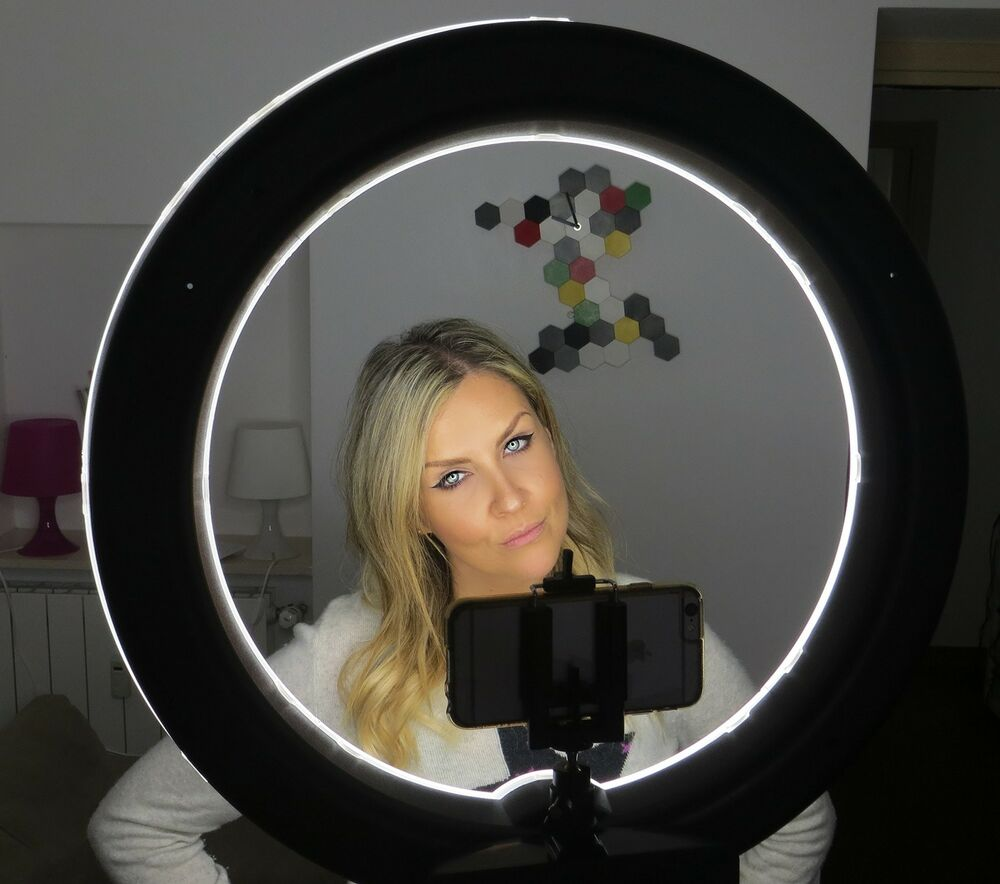 Socialite 18 Quot Led Dimmable Photo Video Ring Light Kit Incl