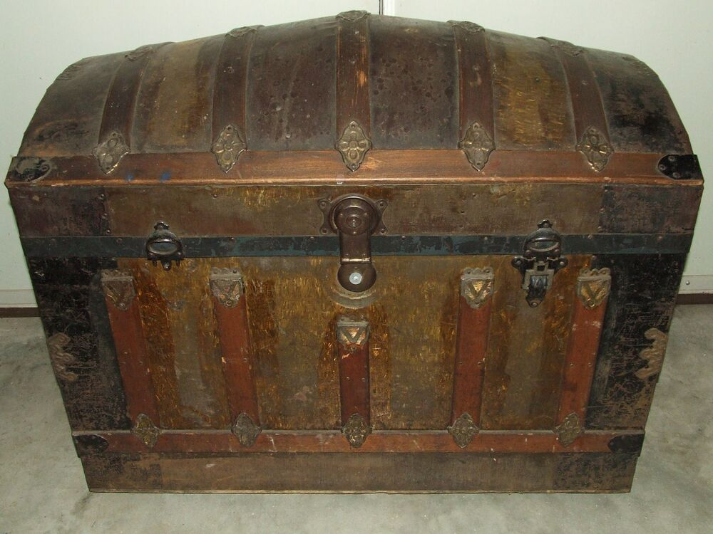 Antique th c large victorian dome top steamer trunk w
