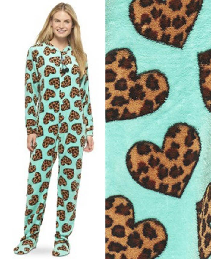 Juniors' Pajamas & Loungewear Look to Belk for a cozy collection of juniors' pajamas with a range of pj designs and styles. Browse the pajama sets for teens to find shorts and tank combos, long pants and sweatshirts and more options to mix and match.