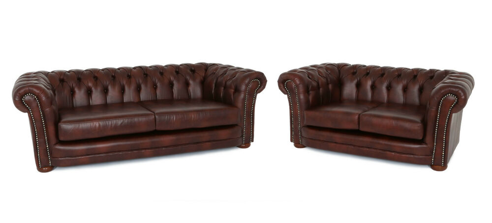 Luxury new studded chesterfield 3 2 sofa set in chestnut for Brown leather couch with studs
