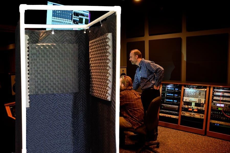 Vocal booth noise reflection echo eliminator stand in for Home with recording studio for sale