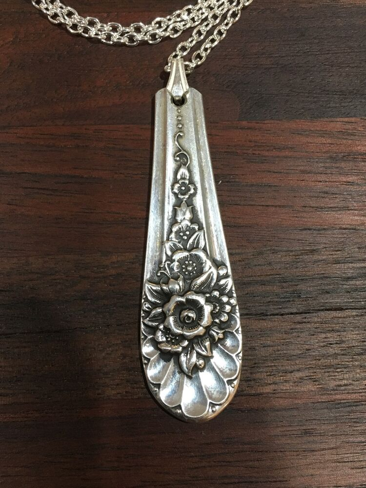 "VINTAGE ANTIQUE SPOON Wm. Rogers Jubilee 18"" Necklace"