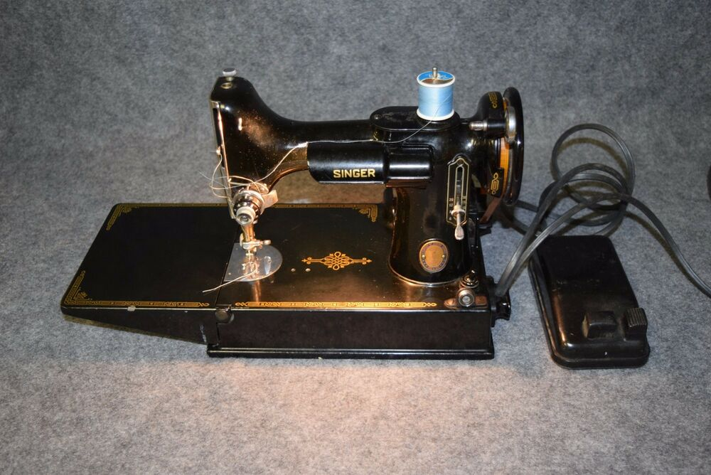 Antique 40 Singer Featherweight 4040 Sewing Machine With Case New 1951 Singer Sewing Machine Ebay