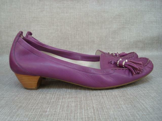 76a8f6e09f6 Details about HOGL UK 8 PURPLE SOFT LEATHER LOAFER STYLE SHOES WITH TASSELS