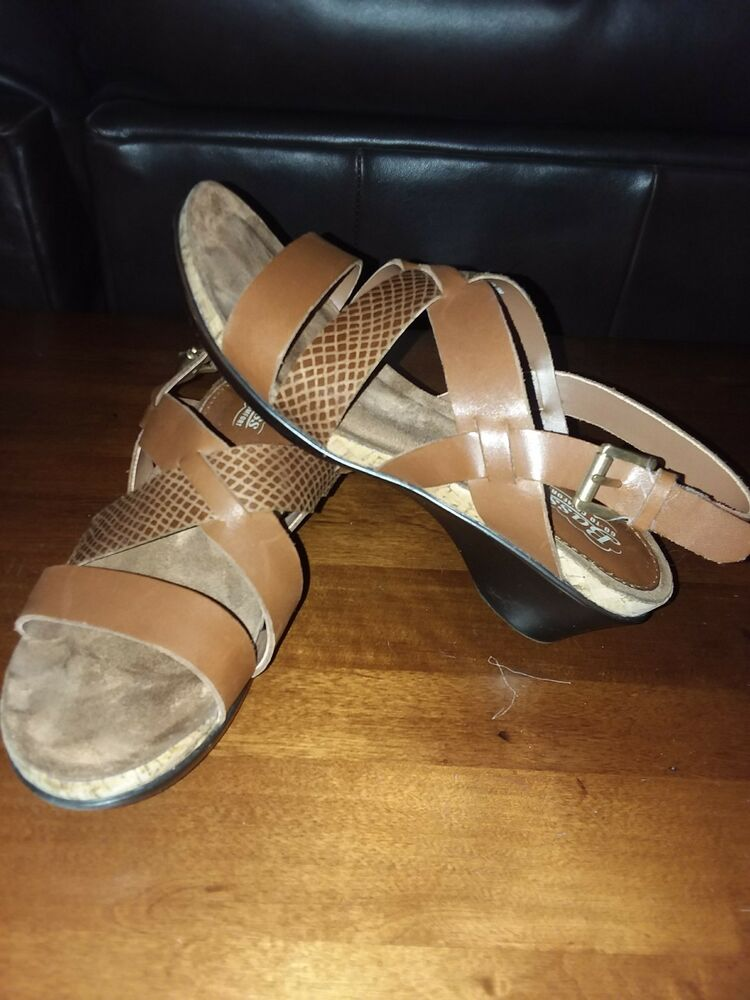 feea607f4becf2 Details about Bass Rita Go To Comfort Ladies Womens Sandals Shoes Size 5  Very Nice
