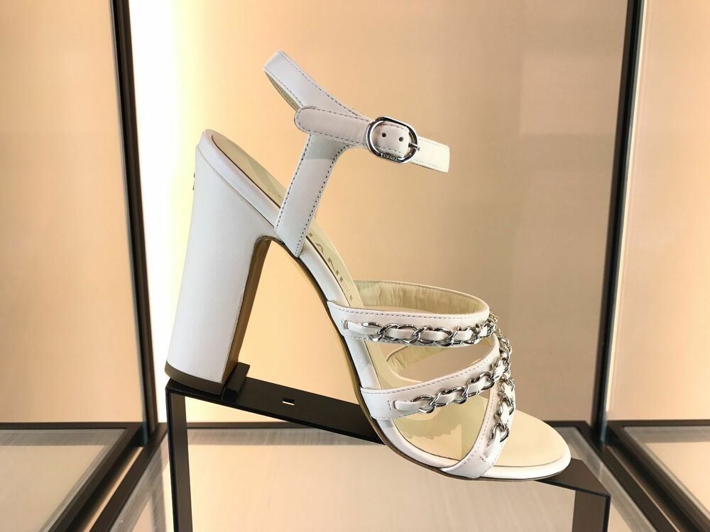 cc27645f1d24  1.1K CHANEL WHITE IVORY LEATHER SILVER CHAIN CHAINED SANDAL SANDALS SHOES  40.5