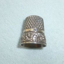 Antique Simons Brothers Sterling Silver Thimble Size 7 Chased Running Scroll