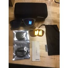 1 PAIR of Zungle Panther Bluetooth Audio Smart Sunglasses w case + 2 xtra lenses