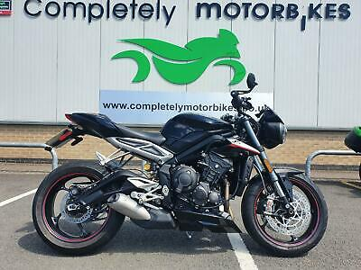 TRIUMPH STREET TRIPLE 765 RS 2017 - ONE OWNER - SERVICE HISTORY