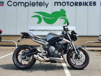 TRIUMPH STREET TRIPLE RS 2018 - ONLY 4040 MILES FROM NEW