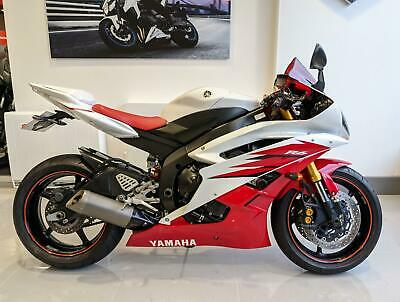 2006 Red Yamaha YZF R6 Super Sports