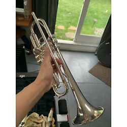 Kyпить Yamaha YTR 23205 Bb Silver Trumpet with 3 Silver Mouthpieces+mutes +music Clip на еВаy.соm