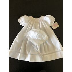 Kyпить NWT Petit Ami White Smocked Daygown with Voile Inset & Bonnet - PREEMIE на еВаy.соm