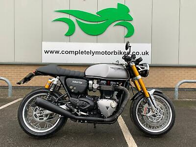 TRIUMPH THRUXTON 1200 R 2016 - BLACK VANCE + HINES - PRIVATE PLATE INCLUDED