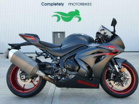 SUZUKI GSX-R1000 2017 - ONE OWNER - ONLY 2947 MILES FROM NEW!