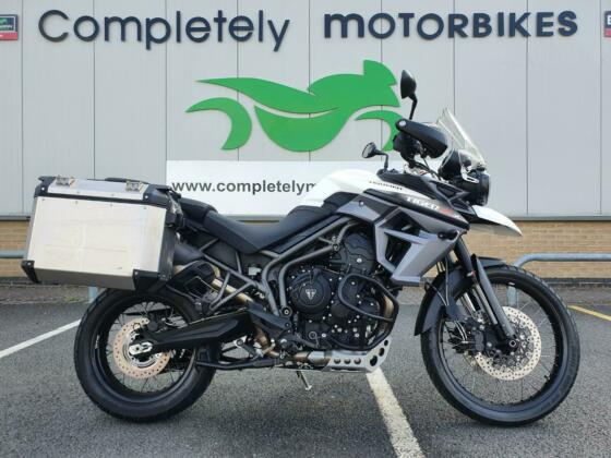 TRIUMPH TIGER 800 XCX 2018 - ONLY 1884 MILES FROM NEW - TRIUMPH PANNIERS