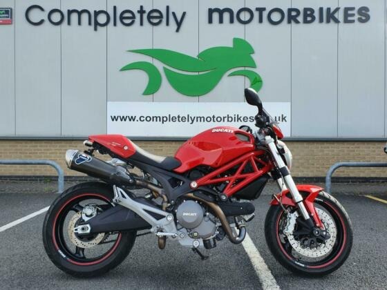 DUCATI MONSTER 696+ 2014 - TERMIGNONI EXHAUSTS - ONLY 7587 MILES FROM NEW