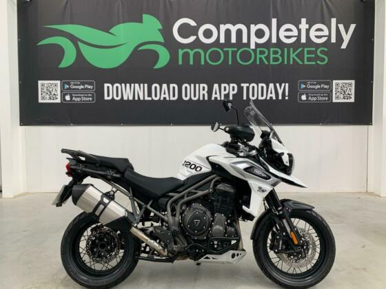 TRIUMPH TIGER 1200 XCX 2018 - ONE PRIVATE OWNER - ONLY 2641 MILES FROM NEW