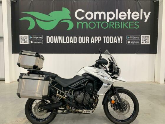 2019 TRIUMPH TIGER 800 XCA in Crystal White