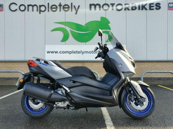 YAMAHA XMAX 300 2021 - ONE OWNER - ONLY 10 MILES FROM NEW