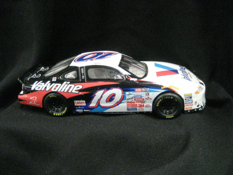 nascar 10 die cast valvoline johnny benson 1997 mattel ebay. Black Bedroom Furniture Sets. Home Design Ideas