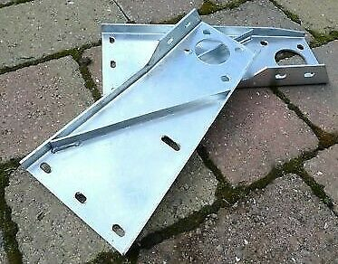 land rover series 3 88 109 bulkhead brackets galvanized pair 592984 592985 ebay. Black Bedroom Furniture Sets. Home Design Ideas
