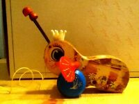 """Vintage Fisher Price Wooden Pull Toy """"Queen Buzzy Bee"""""""