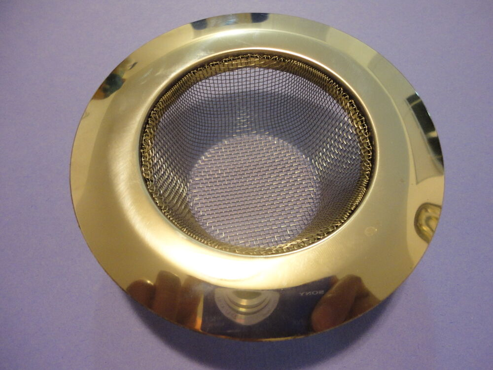 A Stainless Steel Sink Strainer Mesh Wire Basket For