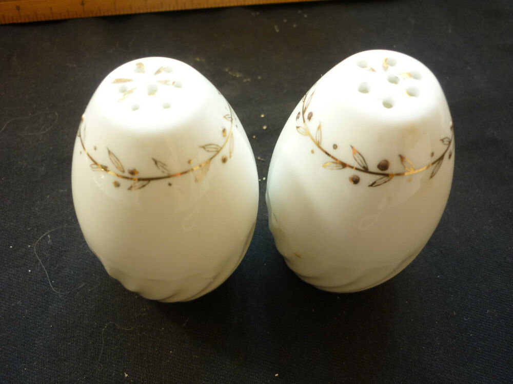 Antique vintage salt pepper shakers egg shaped japan made sp1 19 ebay - Egg shaped salt and pepper shakers ...