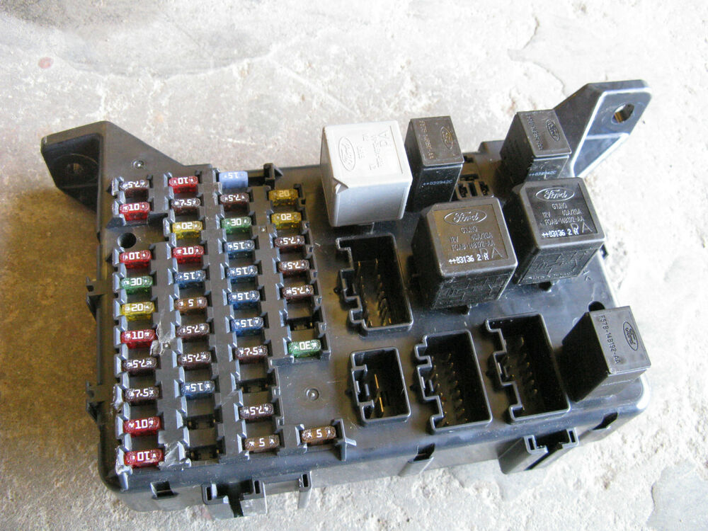 jaguar  type fuse box   ag