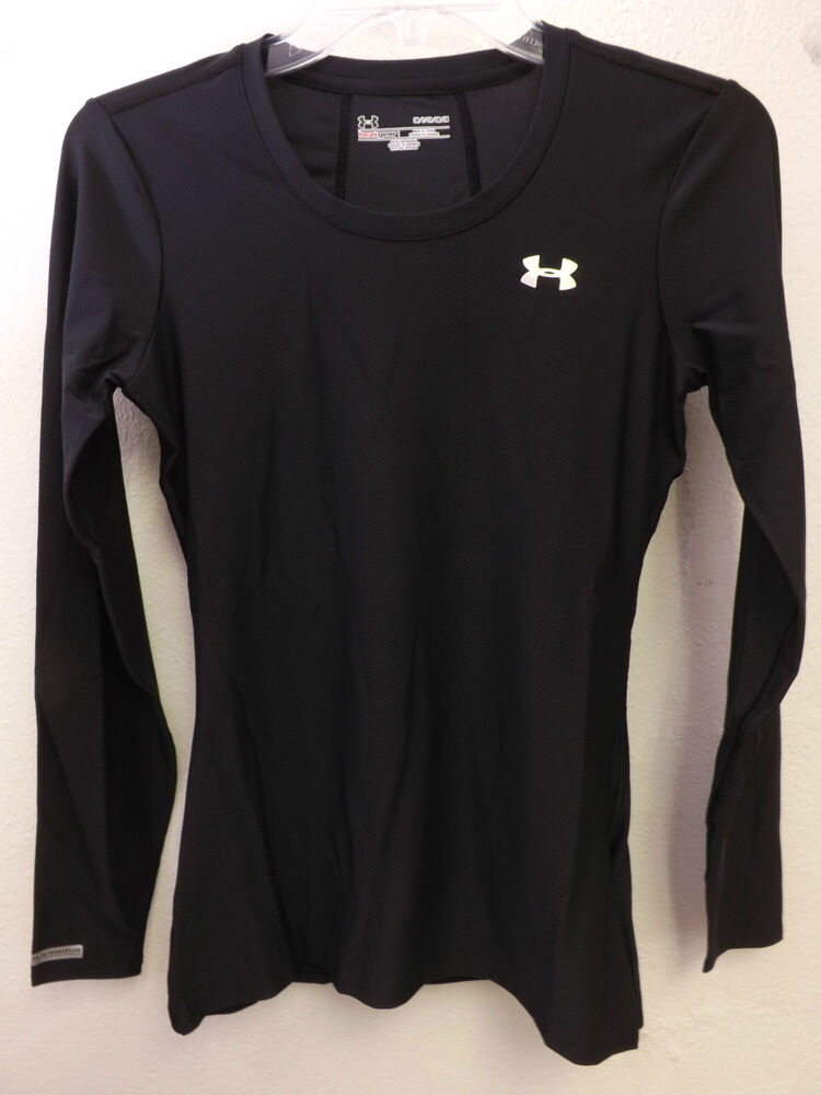 Nwt under armour women 39 s heatgear fitted black long sleeve for Black fitted long sleeve t shirts