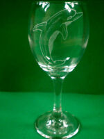 Personalised Gift Freehand Engraved Wine Glass Wildlife Dolphin Name Added FREE