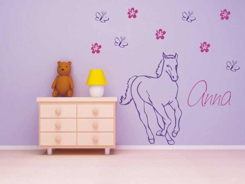 wandtattoo pferd mit wunschnamen blumen schmetterlingen kinderzimmer ebay. Black Bedroom Furniture Sets. Home Design Ideas