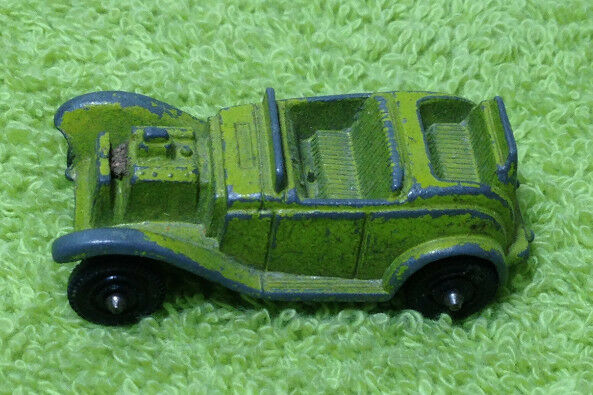 290945163133 together with Vintage Metal Cars together with Watch additionally 321315616131 besides Tootsietoy diecast metal transportation vehicles cars trucks boats 1700 traffic jam game board. on tootsie toy cars and trucks