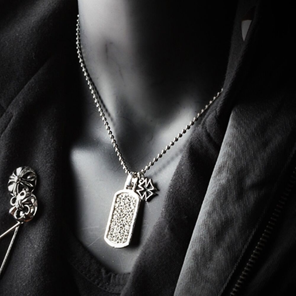 MEN'S NECKLACES Find cool men's necklaces, including dog tags, skulls, arrowheads, crosses and more at Tribal Hollywood. Whether you're in search of stainless steel or sterling silver materials, rope, or black metal, we have the top, most popular fashion jewelry styles available.