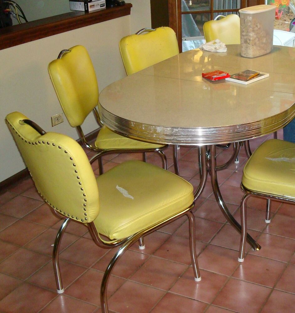 Vintage Chrome Kitchen Table: RETRO 50'S STYLE CHROME DINETTE TABLE & 6 CHAIRS - W/ LEAF & CONFETTI TOP