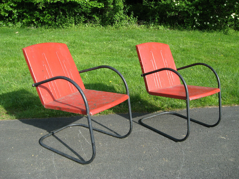 Pair of vtg mid century metal spring lawn chairs garden for Red metal patio furniture