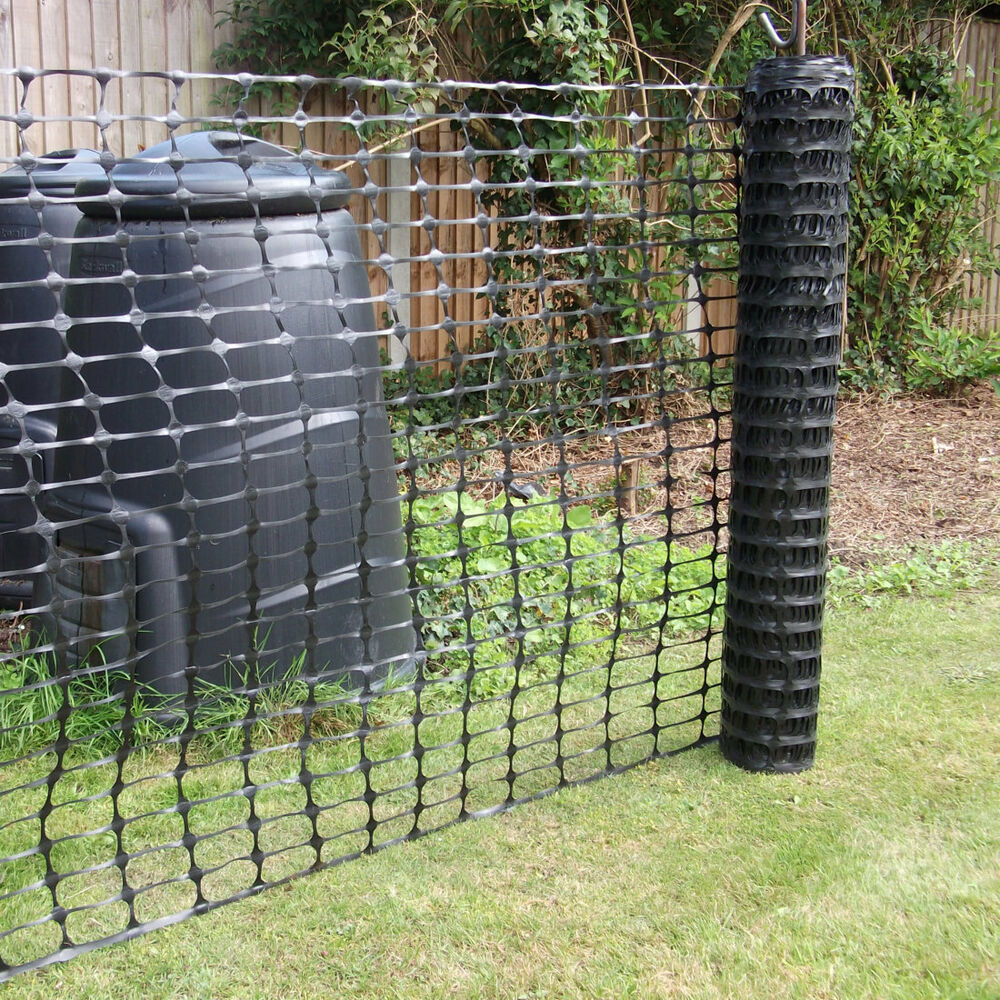 Black plastic mesh barrier safety event fencing nettng