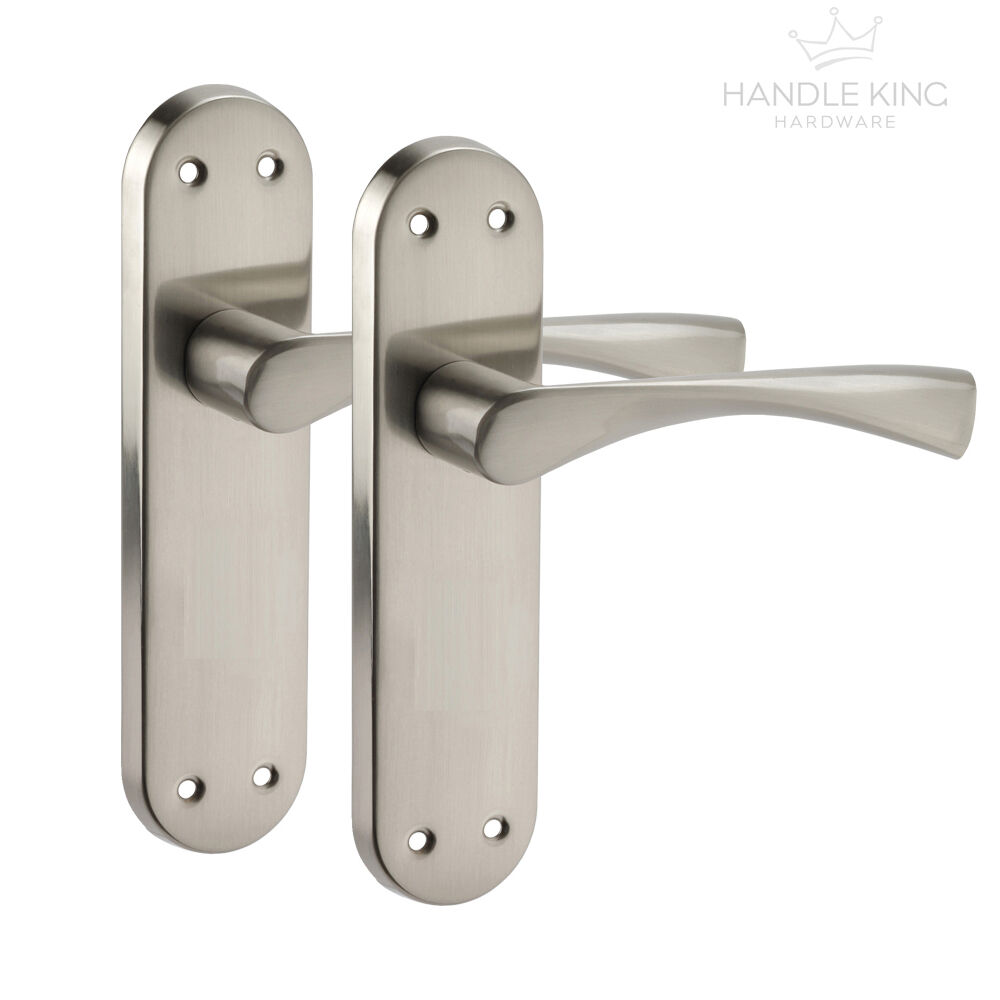 Winged Internal Chrome Door Handles On Backplate Brushed