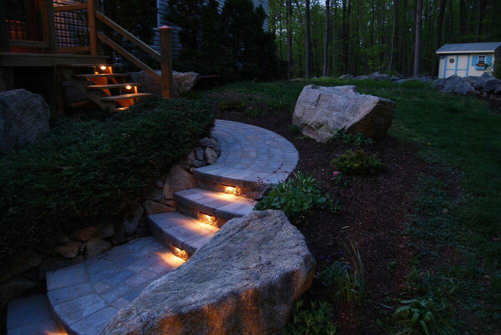 Brown retaining wall lights under cap lights hardscape for Yard accent lights