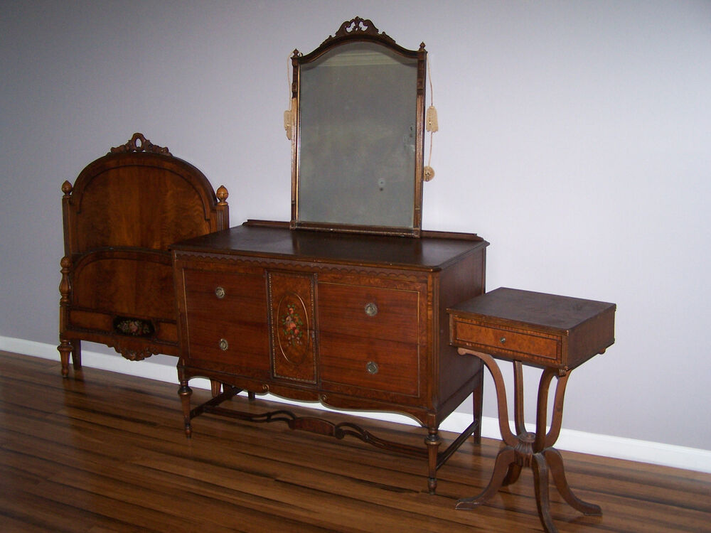 Paine furniture antique bedroom set ebay for Old furniture